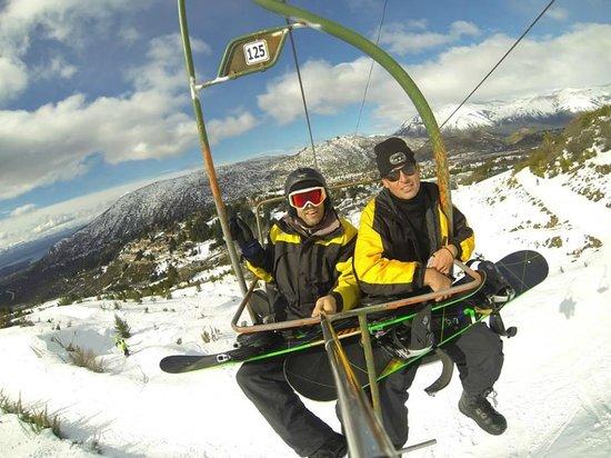 La Base Escuela de Ski & Snowboard: Subindo para as aulas na base intermediária Princesa 1