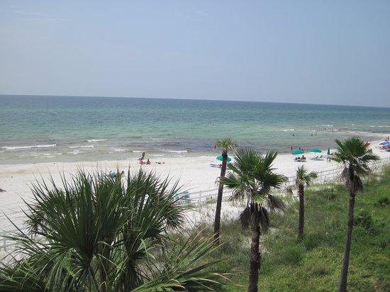 Casa Loma Inn: Private Beach