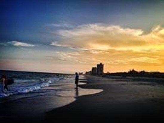 La Quinta Inn & Suites Myrtle Beach at 48th Avenue: Sunset at Myrtle Beach