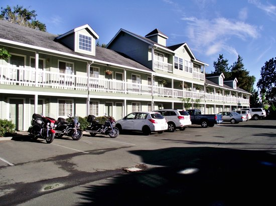 Baechtel Creek Inn : Nice off road location.
