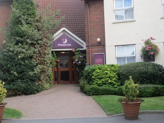 Premier Inn Tamworth Central Hotel: premier in frontage