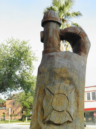 Tree Sculptures : a tribute to the Fire Department
