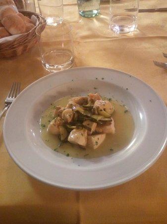 Hotel La Pigna: Pollo con zucchine