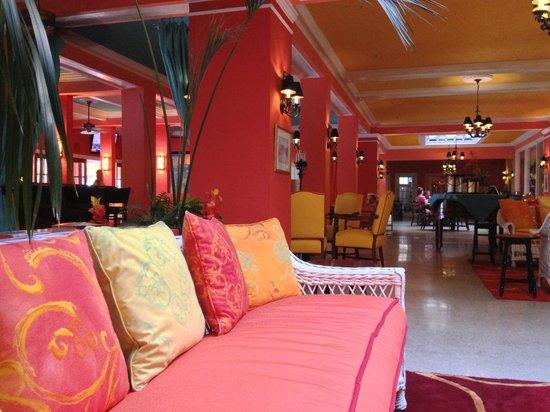 Colony Hotel and Cabana Club: Lobby