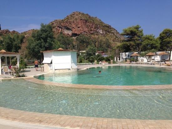 Hotel Mari del Sud Resort : la splendida piscina...