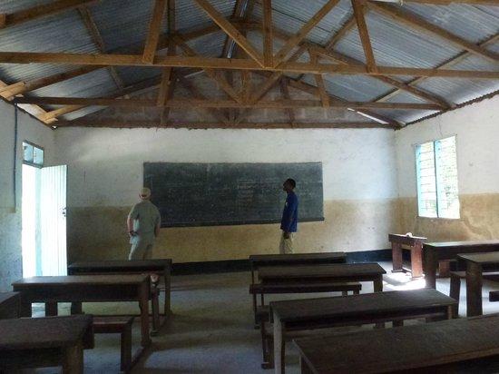 Shamba Kilole Eco Lodge : à lécole d'UTENDE