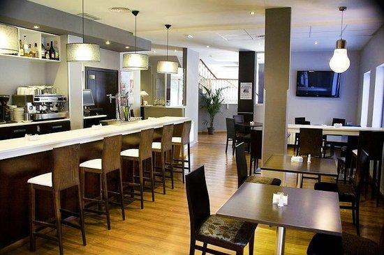 Hotel Gran Batalla: CAFETERIA