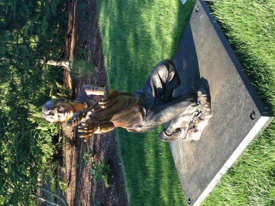 Allison Inn & Spa: Sculpture