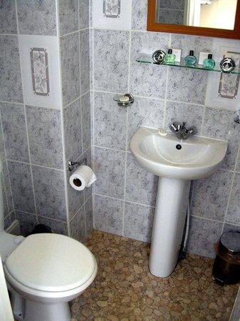 Vernon Guesthouse: Bathroom