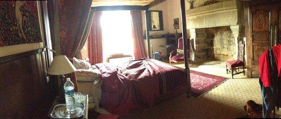 Manoir de Kerdanet : chambre avant ménage (bien sur)