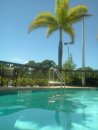 Hampton Inn Melbourne-Viera: Perfect water temps in mid-June.