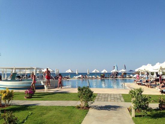 TUI SENSIMAR KALLISTON Resort & Spa by ATLANTICA : Pool area