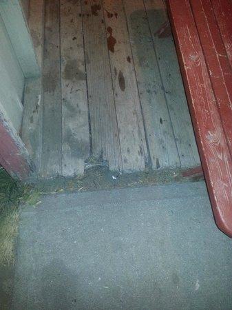 Cabana Beach Campground & RV Park : rotten floor