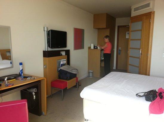 Novotel Liverpool: roomy