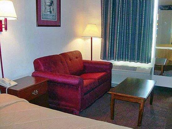 Motel 6 Calhoun: Single