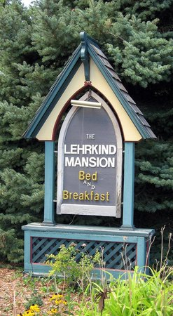 Bozeman's Lehrkind Mansion Bed and Breakfast: Sign