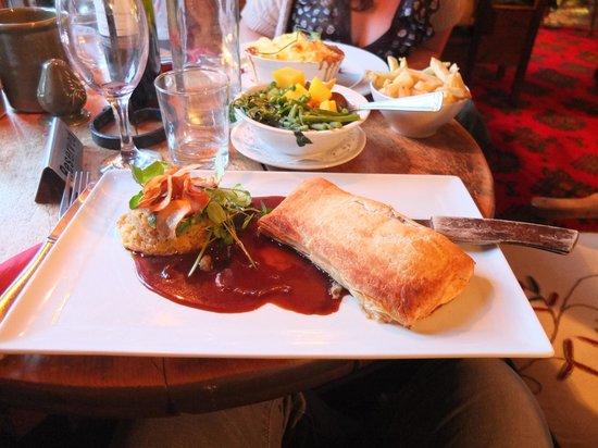 Ty Gwyn Hotel: Lamb Wellington and the Legendary Shephards Pie!