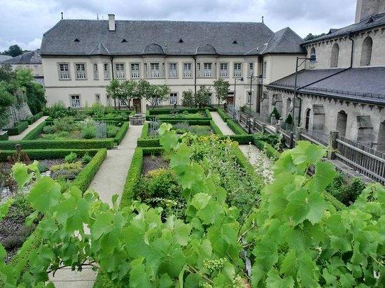 Kräutergarten des Klosters - Bild von Kloster Ebrach