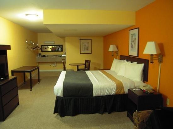 Rodeway Inn Memphis: Nuestra habitación en la 3ª planta.