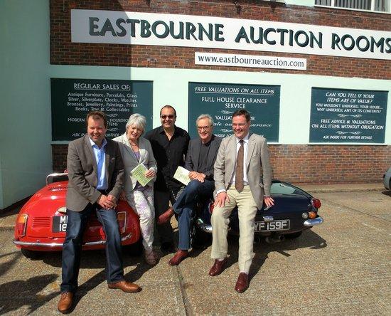 Eastbourne Auction Rooms: Celebrity Antiques Roadtrip Larry Lamb