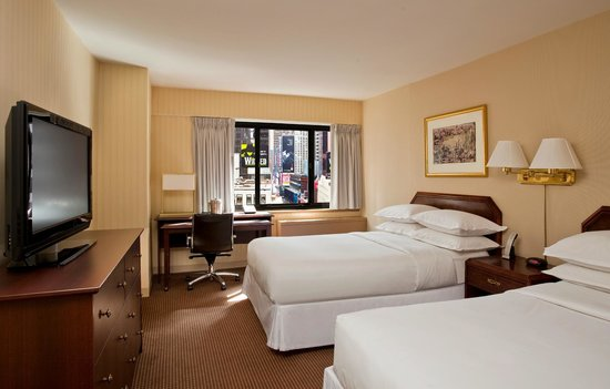 The Manhattan at Times Square Hotel: Deluxe 2 Double Beds