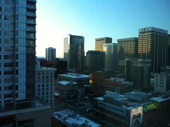 Embassy Suites by Hilton Denver - Downtown / Convention Center: View from Room, Denver Skyline