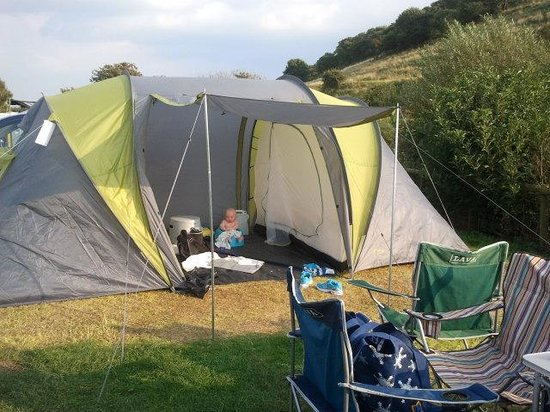 Freshwater Beach Holiday Park: Pitch by river and hills