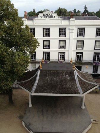 The Tunbridge Wells Hotel: Room 31 with view across The Pantiles