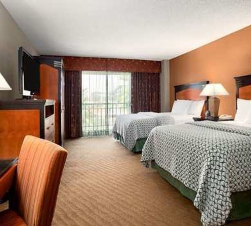 Embassy Suites by Hilton Brea - North Orange County: guestroom