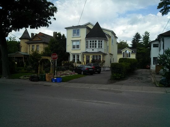 Bedham Hall Bed and Breakfast: View from Street of Bedham Hall B&B