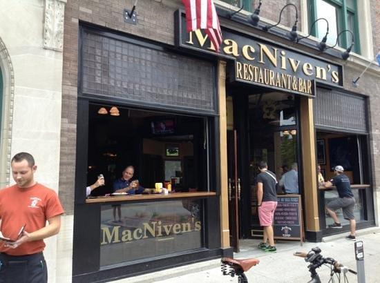MacNiven's: Exterior