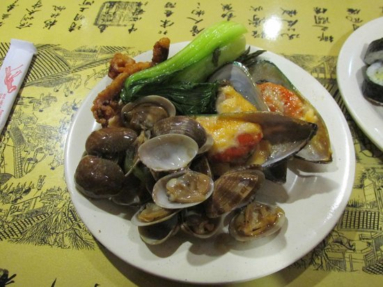 Ocean Buffet: plenty of seafood choices to fill your plate