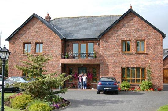Oranhill Lodge: Oranmore Exterior