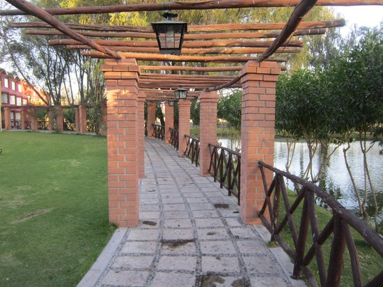 El Lago Estelar Hotel: entrance ti the restaurant