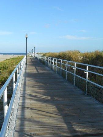 Fishing pier picture of water 39 s edge ocean resort for Ocean crest fishing pier