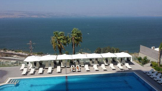 Golan Hotel: cleanest pool! great view!