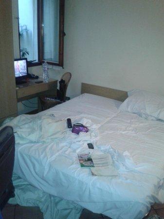 Hotel Elite : cama