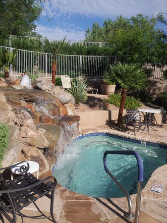 CopperWynd Resort & Spa : Hot Tub