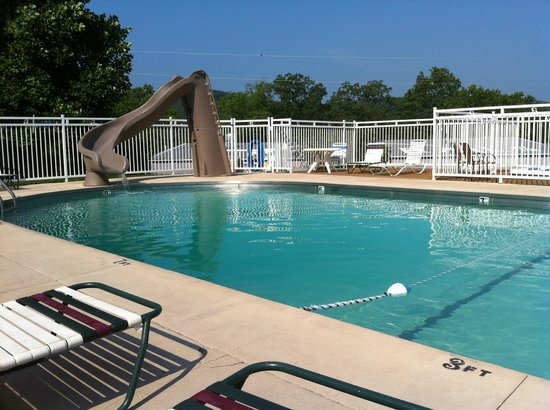 Branson KOA & Convention Center: Pool