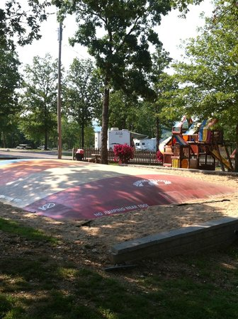 Branson KOA & Convention Center: Jumping pillow playground