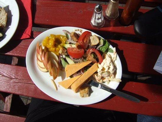 Castle Tavern : Ploughman's Lunch