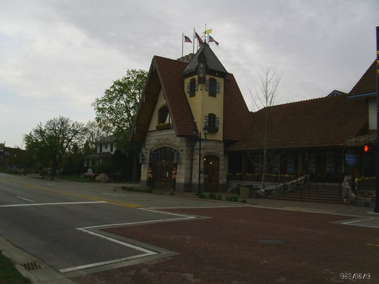 Drury Inn & Suites Frankenmuth: Bavarian style eateries!