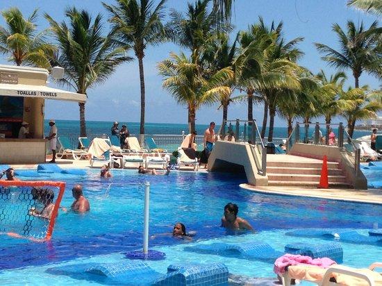 hotel remodelado picture of hotel riu caribe cancun. Black Bedroom Furniture Sets. Home Design Ideas