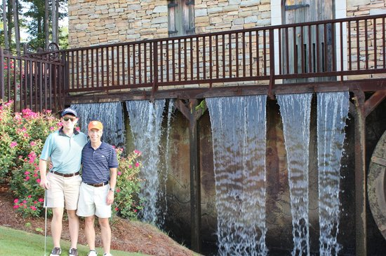 Renaissance Birmingham Ross Bridge Golf Resort & Spa: Water wheel with water fall just behind #4 green
