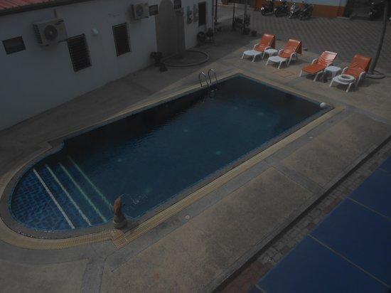 Valero Guest House: piscina