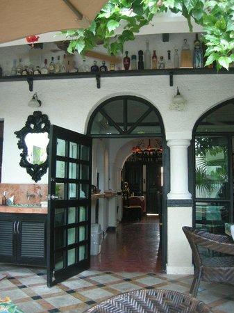 Casa Sirena Hotel: Courtyard view