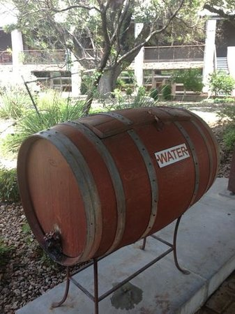 Rough Creek Lodge: free water everywhere on property