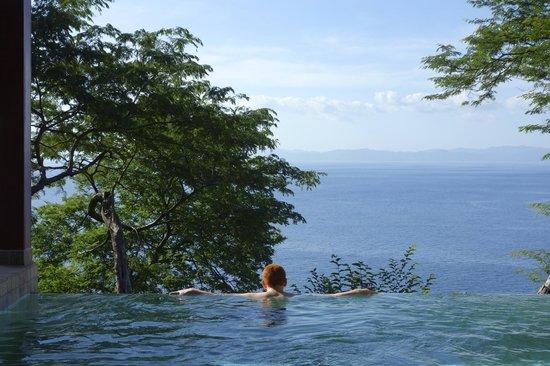 Four Seasons Resort Costa Rica at Peninsula Papagayo: plunge pool in villa