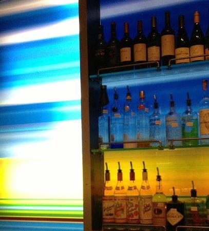 Aloft Chapel Hill: Bar area