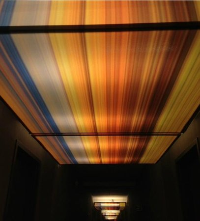 Aloft Chapel Hill: Hallway ceiling